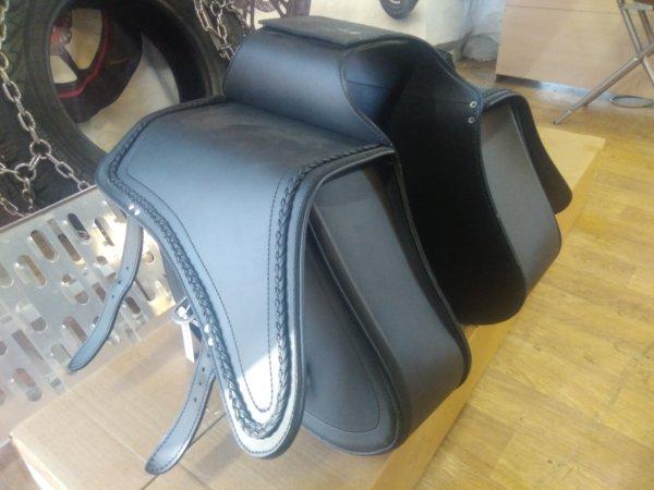 Кофры для мотоцикла чоппера Richa SB 201 боковые кожаные 1